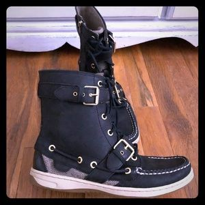 SPERRY TOPSIDER ANKLE BOOTIE